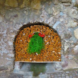 Liebevolle Gestaltung im Dorf (c) Karmen Nahberger