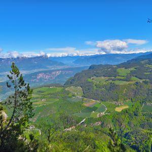 Traumhafte Ausblicke im Naturpark Trudner Horn (c) Karmen Nahberger